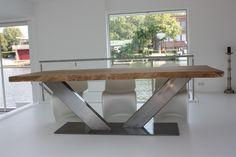 Houten RVS V frame tafel www.zwaartafelen.nl