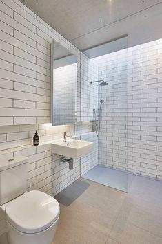 Modular Home in Berry, NSW : Minimalist bathroom by Modscape Pty Ltd