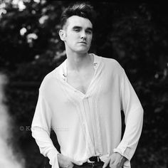 Kevin Cummins - Here's a portrait I took of Morrissey in his garden in Sept 1988