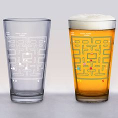 Pac-Man fans will enjoy this Pac-Man Cold Change Pint Glass. It's a great way to celebrate the crazy-popular Pac-Man video game!   This Pac-Man Cold Change Pint Glass features a blank white Pac-Man game, but adding cold liquid is like inserting a coin, because the characters show up on th