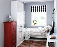 IKEA Österreich, Inspiration, Schlafzimmer, Tür PAX RISDAL, Teppich  KATTRUP, Kommode HEMNES