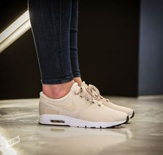 "Beiger womens Nike Air Max Zero ""Light Orewood"" in textilem Upper und Air-Dämpfung - solekitchen.de 