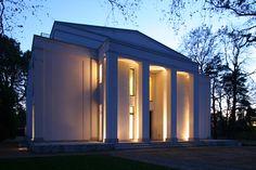 http://www.vogelarchitekten.de/projekte/fullscreen/villa-neoklassizistischer-stil.php?bild=1