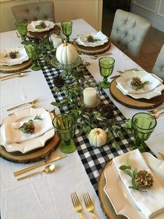 Dining table decor, Table decorations, Christmas table, Table settings, Fall table, Fall home decor - How To Set Your Fall Table   Fall is here, and that means you're probably hosting at least one fes -  #Diningtable #decor