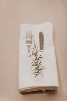 White Napkins P. Twinkle Lights, Twinkle Twinkle, White Napkins, Tree Lighting, Claire, Wedding Venues, Country, Fall, Photography