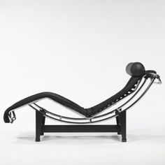 Gerrit rietveld bauhaus architect and furniture designer for B306 chaise longue