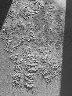 Bas-relief en papier aquarelle grain torchon // Lauren Collin