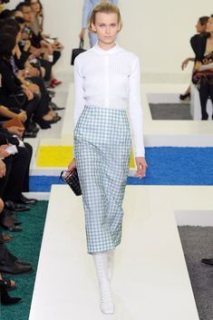 http://www.vogue.com/fashion-shows/spring-2012-ready-to-wear/jil-sander/slideshow/collection