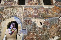 Frescos del siglo XIV en el monasterio de Sumela.