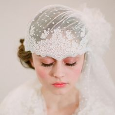 1920s wedding veil. Twigs and Honey 1920s wedding, vintage chic, wedding veils, vintage weddings, vintage bridal, vintage inspired wedding, bride, wedding lace, vintage style