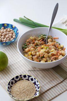 Receita de salada protéica vegana com quinoa e grão-de-bico