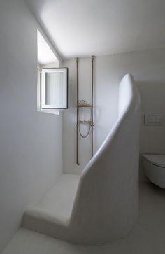 El diseño de esta ducha es espectacularmente limpio.