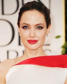 Stunning makeup (as always!) on Angelina Jolie @ Golden Globes 2012