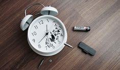 Ați observat că în ultima perioadă ceva nu merge bine în casa dumneavoastră? Știați că există anumite lucruri care vă aduc ghinion? Iată câteva dintre obiectele de care trebuie să scăpați cât mai repede cu putință pentru a avea o viață așa cum v-o doriți... Nu păstrați în locuința dumneavoastră cea Doritos, Alarm Clock, Home Decor, Sweets, Projection Alarm Clock, Decoration Home, Room Decor, Alarm Clocks, Home Interior Design