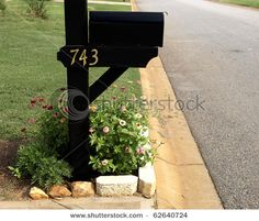 This guide is about landscaping around your mailbox. Planting around your mailbox isn't a necessity, but when done well, it can visually change the overall look of your yard for the better. THE BLACK IS NICE. Diy Yard, Plants, Mailbox Plants, Garden, Lawn And Garden, Mailbox Flowers, Outdoor Gardens, Mailbox Landscaping, Landscape