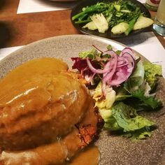 If you're doing #veganuary like me you'll be pleased to know that @wagamama_uk are trialing a vegan Katsu over in their noodle lab. Finding vegan alternatives mean that you don't have to give up your favourite dishes. Full review of some of the dishes wagamamas are testing is live on the blog
