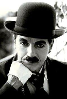"""""""Perca com classe, vença com ousadia, porque o mundo pertence a que se atreve.""""  ―Charles Chaplin"""