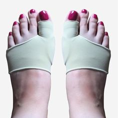 Designed for protecting bunions from irritation, DuraFlex Bunion Sleeve Protectors prevents the bunion from rubbing against rough surfaces when wearing shoes. Flexible Joint, Bunion, Slip Over, Foot Pain, One Size Fits All, Stretch Fabric, Soft Fabrics, Remedies, Socks
