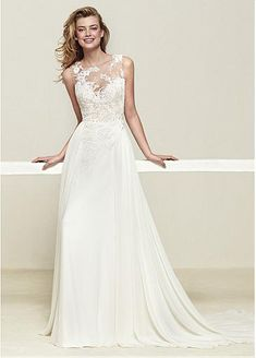 Attractive Tulle & Chiffon Jewel Neckline A-line Wedding Dress With Lace Appliques
