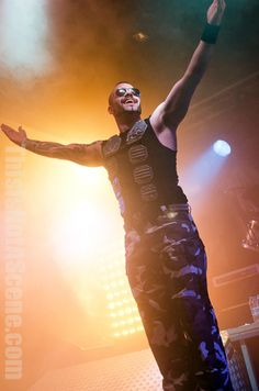 Sabaton, Eluveitie, and Wisdom tear up the HMV Forum and the rest of the UK in this trio of power and folk metal greatness.