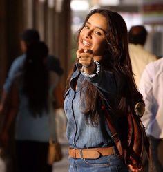 Shraddha Kapoor in ok janu funny natak Prettiest Actresses, Beautiful Actresses, Indian Bollywood, Bollywood Stars, Bollywood Celebrities, Bollywood Actress, Sraddha Kapoor, Ranbir Kapoor, Shraddha Kapoor Cute