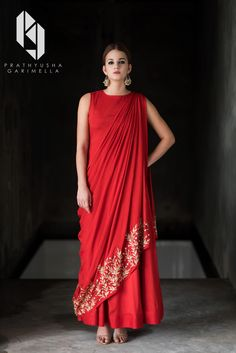 velvetbytes engagement dresses sparkle latest source indian outfit ideas women bling for by Latest engagement dresses for Women Indian engagement outfit ideas Bling Sparkle Source by You can find Dresses and more on our website Indian Gowns, Indian Attire, Indian Outfits, Indian Engagement Outfit, Engagement Dresses, Wedding Dresses, Indian Designer Outfits, Designer Dresses, Indian Designers