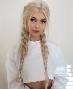 Grey Makeup, Hair Makeup, Loren Gray, Medium Long Hair, Beautiful Long Hair, Hair Type, The Incredibles, Hot Blondes, Blonde Hair