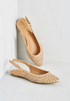Slingback to Back Flat in Taupe. Whether it's Sunday, Saturday, or every day in between, youll want to show off these darling beige flats from Report Footwear! #tan #modcloth
