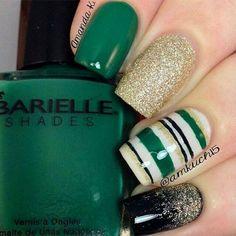 Green, black, and gold nails Crazy Nails, Fancy Nails, Love Nails, How To Do Nails, Pretty Nails, Simple Nail Art Designs, Easy Nail Art, Acrylic Nail Designs, St. Patricks Day