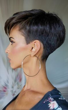 Pixie Haircut For Thick Hair, Funky Short Hair, Super Short Hair, Short Grey Hair, Short Hair With Layers, Cute Hairstyles For Short Hair, Short Hair Cuts For Women, Curly Hair Styles, Short Hair Undercut