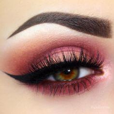 What a lovely look by @giuliannaa! ❤️ She used: • Bitten • Cupcake • Mai Tai