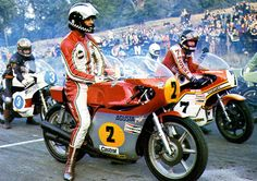 Phil Read and Barry Valentino Rossi, Old School Motorcycles, Racing Motorcycles, Motorcycle Men, Cafe Racer Motorcycle, Mv Agusta, Honda, Motorcycle Manufacturers, Old Bikes