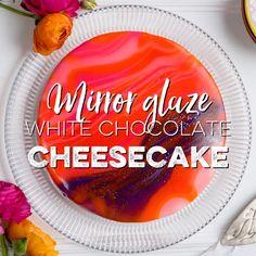 Make this show-stopping mirror glaze white chocolate cheesecake when you really … - Spiegel Mirror Glaze Recipe, Mirror Glaze Cake, Mirror Cakes, Chocolate Glaze, Melting Chocolate, Cabbage Patch Kids, Cheesecake Decoration, Glaze For Cake, White Chocolate Cheesecake