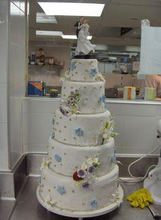 mi querida Cristina cuando te cases te la regalo trato hecho