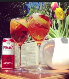 Summertime Pimms :) #MyPerfectPicnic Pimms And Lemonade, Alcoholic Drinks, Cocktails, English Summer, Cocktail Mixers, Summertime, Food Photography, Picnic, Entertaining