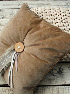 kussens uit de collectie van thuis met Moon.