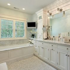 Idea I showed to Jim for master bath. Traditional Bathroom by Highgate Builders
