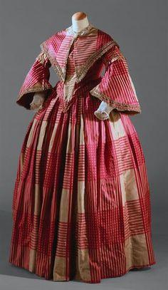 Dress, c. 1850, Museu Nacional do Traje.