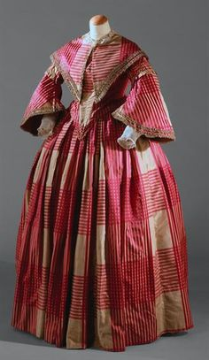 Dress, c. 1850, Museu Nacional do Traje.