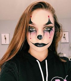 Bunny Halloween Makeup, Maquillage Halloween Clown, Pretty Halloween, Halloween Kostüm, Scarecrow Makeup, Halloween Photos, Vintage Halloween, Halloween Costumes, Edgy Makeup