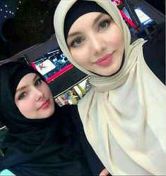 2 Muslim girls from chechnya Arab Girls Hijab, Girl Hijab, Muslim Girls, Hijab Style Dress, Hijab Chic, Hijab Niqab, Beautiful Muslim Women, Beautiful Hijab, Muslim Fashion
