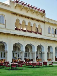 Gardens for Royal Afternoon Tea, Taj Rambagh Palace Hotel, Jaipur, Rajasthan, India.