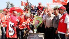 ▶ Les salariés FO d'ArcelorMittal enterrent les promesses non tenues de François Hollande - Vidéo Dailymotion