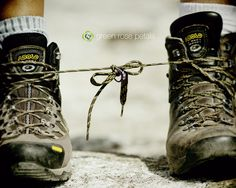 Loved that their hiking boots were the same brand. #hiking #boots #engagement // photo by Green Rose Petals