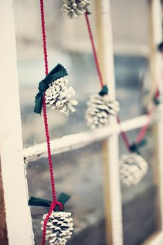 White Pinecone Garland to add a little vintage touch for one's home during holiday season