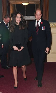 Kate joins the Queen and senior royals at the Royal Albert Hall for annual Festival of Remembrance | Daily Mail Online