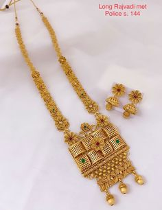 India Jewelry, Silver Jewelry, Jewellery, Antique Gold, Antique Jewelry, Gold Earrings Designs, Punjabi Suits, Designer Earrings, Chokers