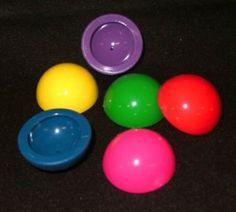 Les puces sauteuses... Qui avec des yeux d'adultes me font penser à des diaphragmes contraceptifs O_o