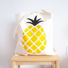 Pineapple print bag https://www.etsy.com/listing/184135996/una-pinya-fina-pineapple-tote-bag