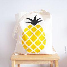 Pineapple print bag https://www.etsy.com/listing/184135996/una-pinya-fina-pineapple-tote-bag